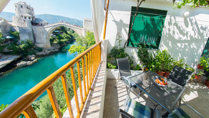 Old-Bridge-Terrace-Apartment-Mostar-10