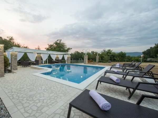 holiday home Medo Drinovci Grude luxury villa with swimming pool - party by the pool