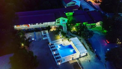 kuca-za-odmor-vila-medo-drinovci-otvoreni-bazen
