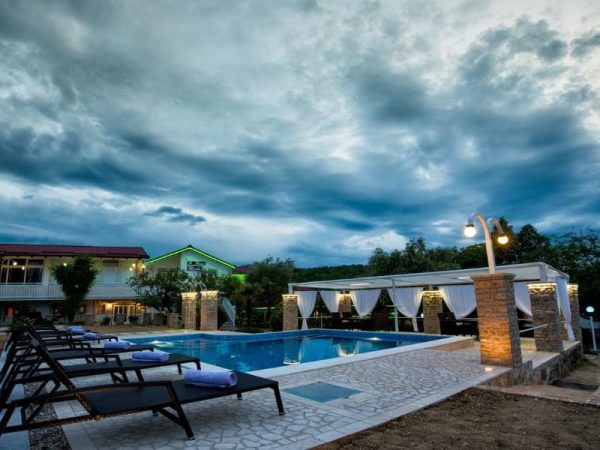 holiday home Medo Drinovci Grude luxury villa with swimming pool - outdoor activities and nature - relax in the oasis