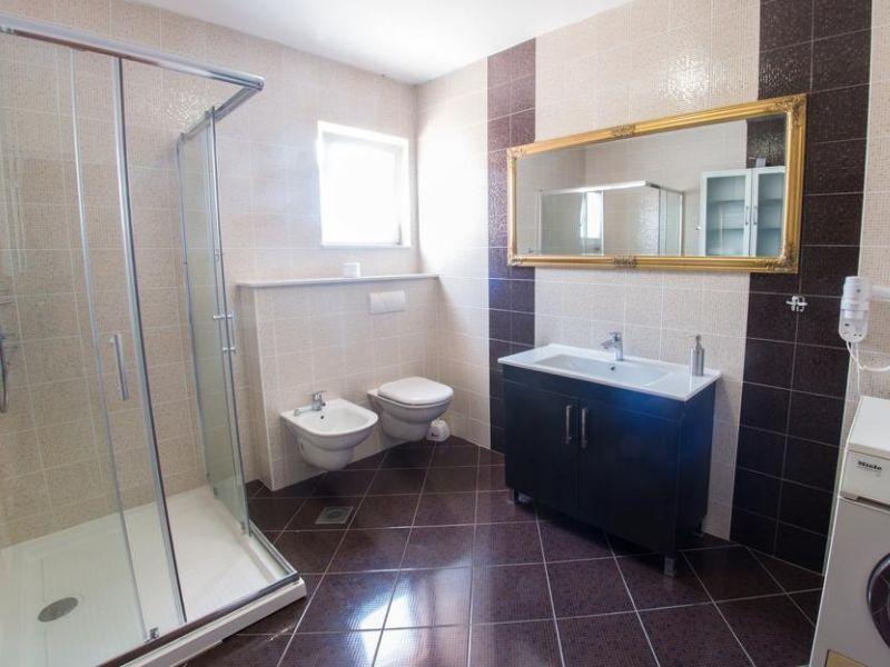vila-filipovic-mostar-gnojnice-bathroom