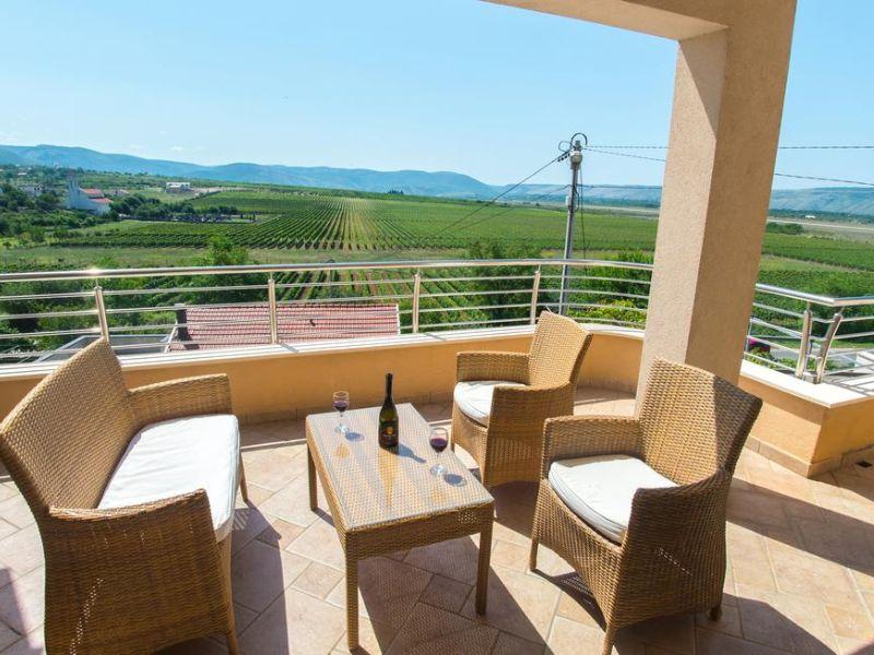 vila-filipovic-mostar-gnojnice-view-from-tarrace