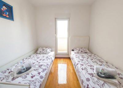 Mostar Apartman Orca - Konforman stan sa blakonom u blizini Mepass Mall - Soba sa krevetima za jednu osobu