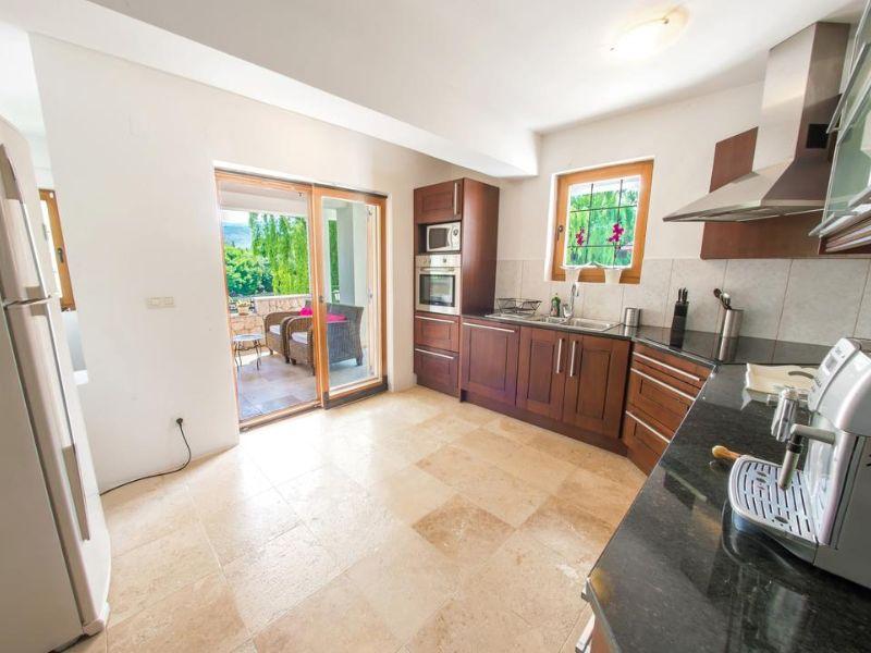 vila-verde-blagaj-mostar-kitchen