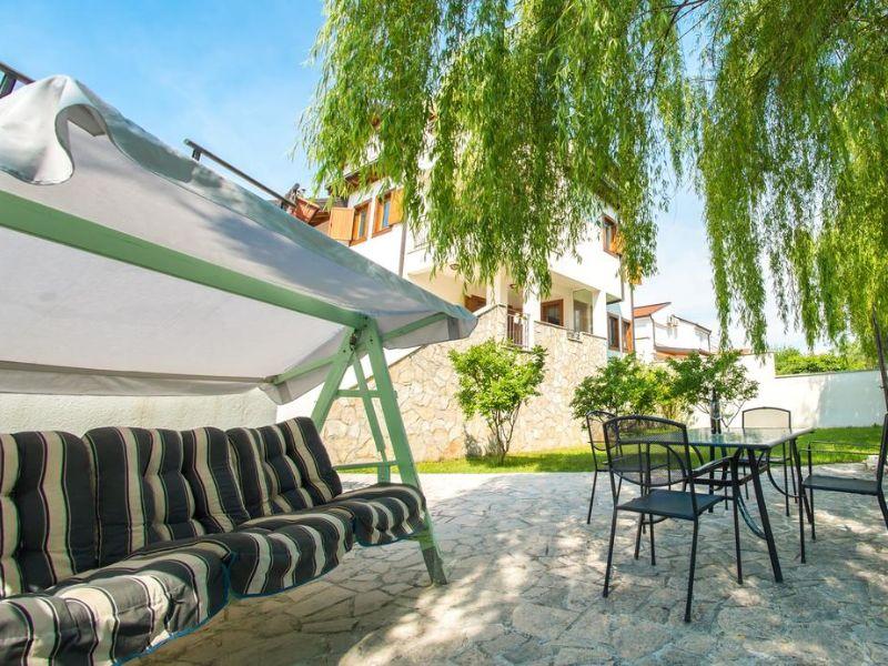 vila-verde-blagaj-mostar-garden -open-pool-river-buna -4
