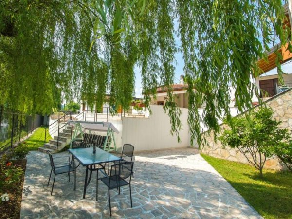 vila-verde-blagaj-mostar-garden -2