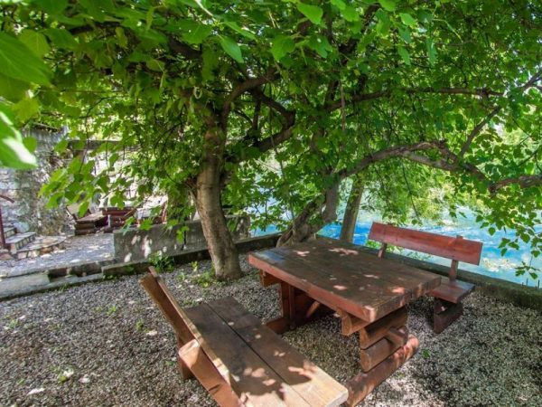 Charming Cottage with Private River -kuca-rijeka-buna-mostar-11
