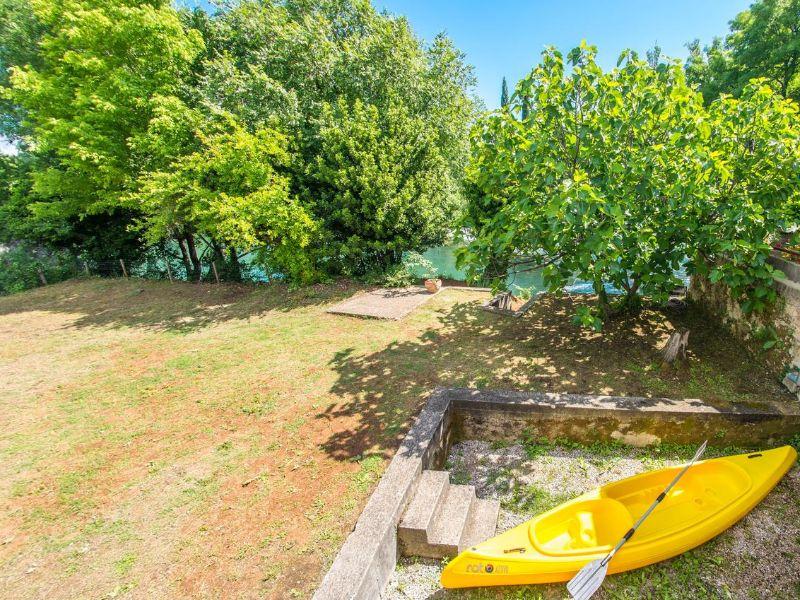Charming Cottage with Private River -kuca-rijeka-buna-mostar-8