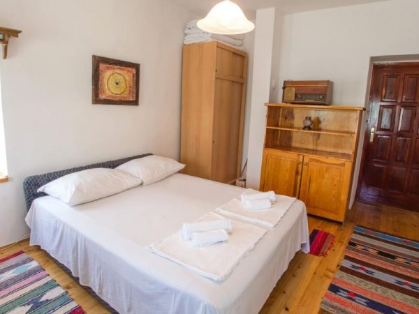 Charming Cottage with Private River -kuca-rijeka-buna-mostar-6