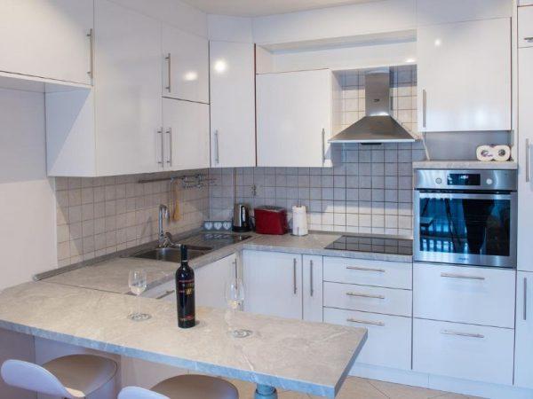 Apartmani Mostar - Apartman Infinity - Dvosoban stan u neposrednoj blizini Starog Grada - Kuhinja 2