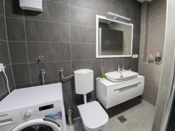 Apartmani Mostar - Apartman Infinity - Dvosoban stan u neposrednoj blizini Starog Grada - Kupaonica