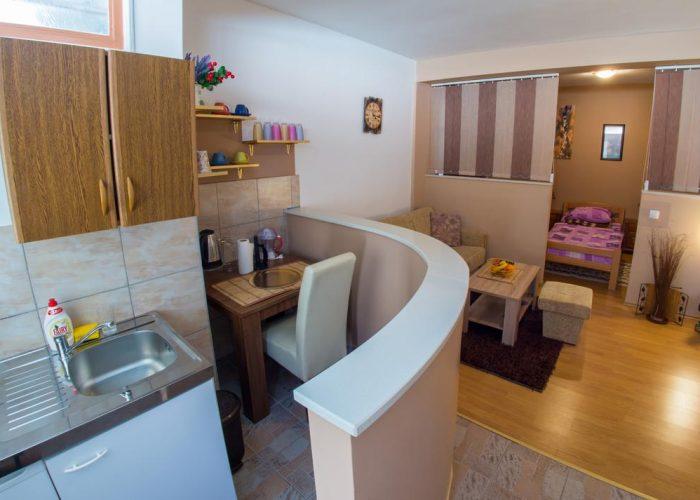 Studio Apartman Elegant Mostar kitchen area